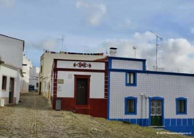 gekleurde huizen, Cachopo, Azulejos