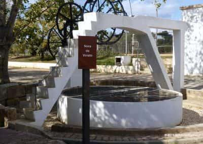 Nora of Donkey; waterput langs OLH PR4, Caminho de Água