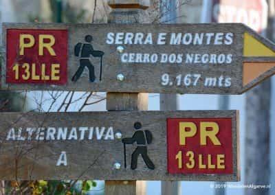 Bewegwijzering rondwandeling Serra en Montes