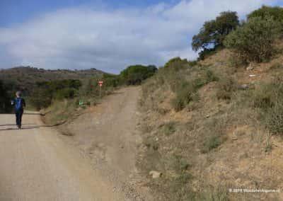 wandelaar op pad in de Asseca vallei