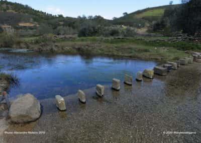 Wandelroute Masmorra TAV PR8 loopt langs en door de rivier