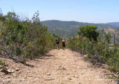 Klimmen en dalen tijdens wandeling Pe do Coelho LLE PR21