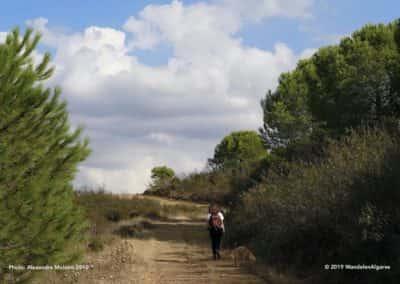Wandelaar op wandelroute TAV PR2 Fonte da Zorra