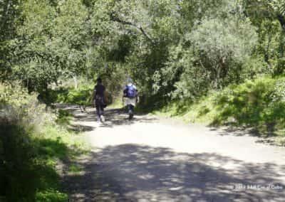 Wandelaars op wandeling Curral da Pedra