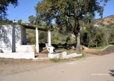 Wasplaats in Porto Carvalhoso, start wandeling Curral da Pedra TAV PR12